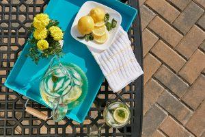 como preparar agua con limon