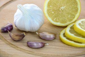 fortalecer las uñas con limon y ajo