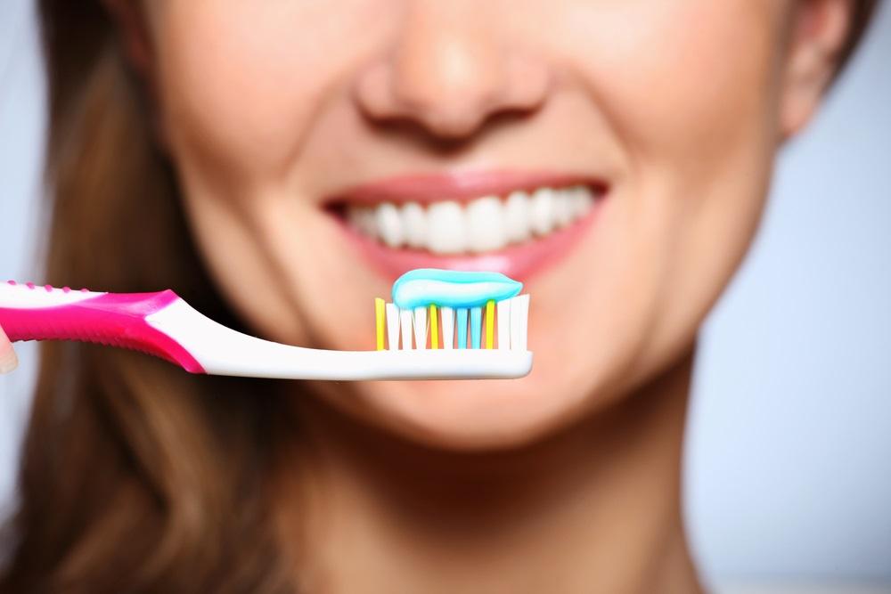 ¿Cuántas veces al día debo lavarme los dientes? Sano y Sano